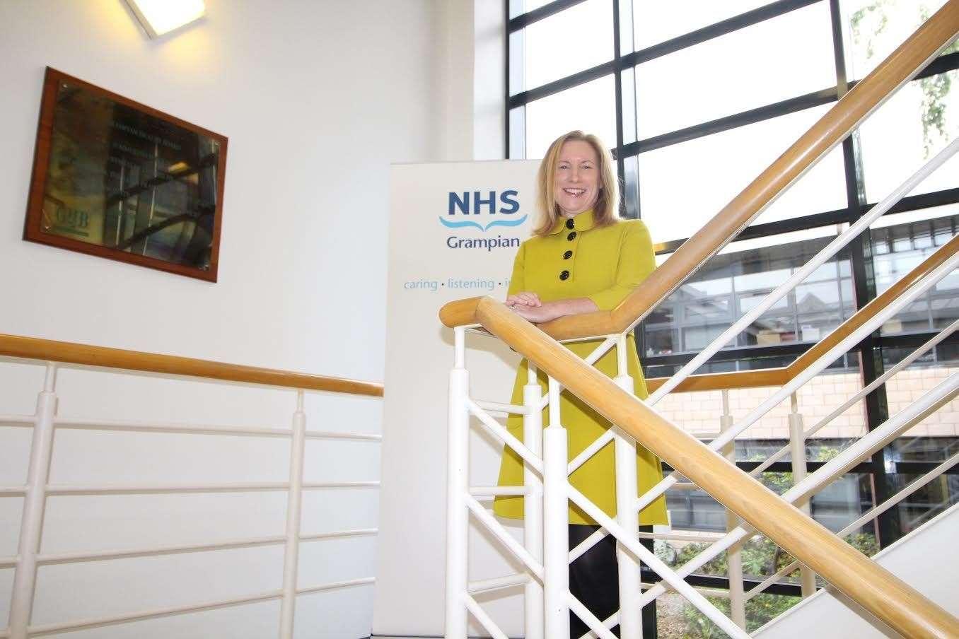 Police warn of fake NHS Covid vaccination texts